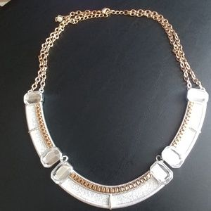 NWOT Sparkly necklace